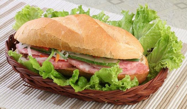 Cách làm bánh mì kẹp thịt thơm ngon