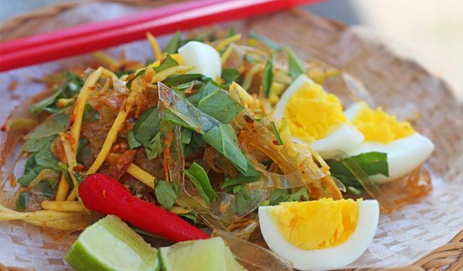 Bánh tráng trộn đặc sản Tây Ninh món ngon không thể chối từ