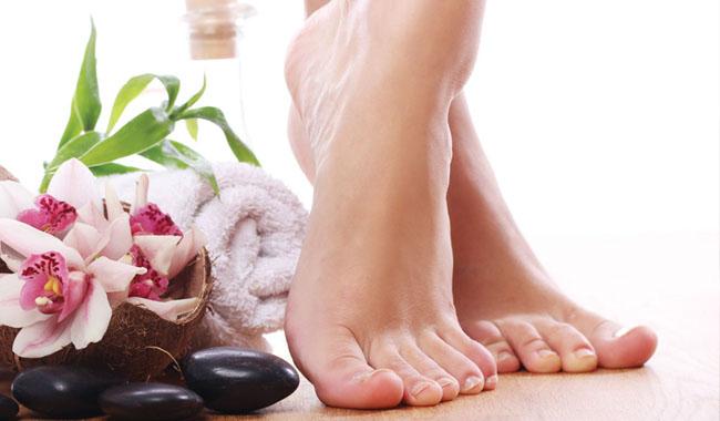 Phương pháp điều trị nứt gót chân hiệu quả ngay tại nhà