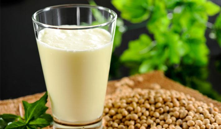 Cách làm sữa đậu nành bằng máy xay sinh tố đơn giản nhất