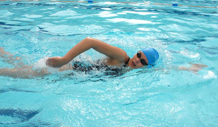 Bơi lội sẽ giúp bạn giảm cân nhanh