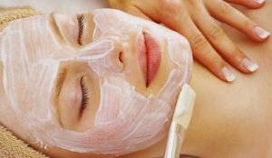 Cách làm mặt nạ trị mụn thâm ngay tại nhà cho từng loại da