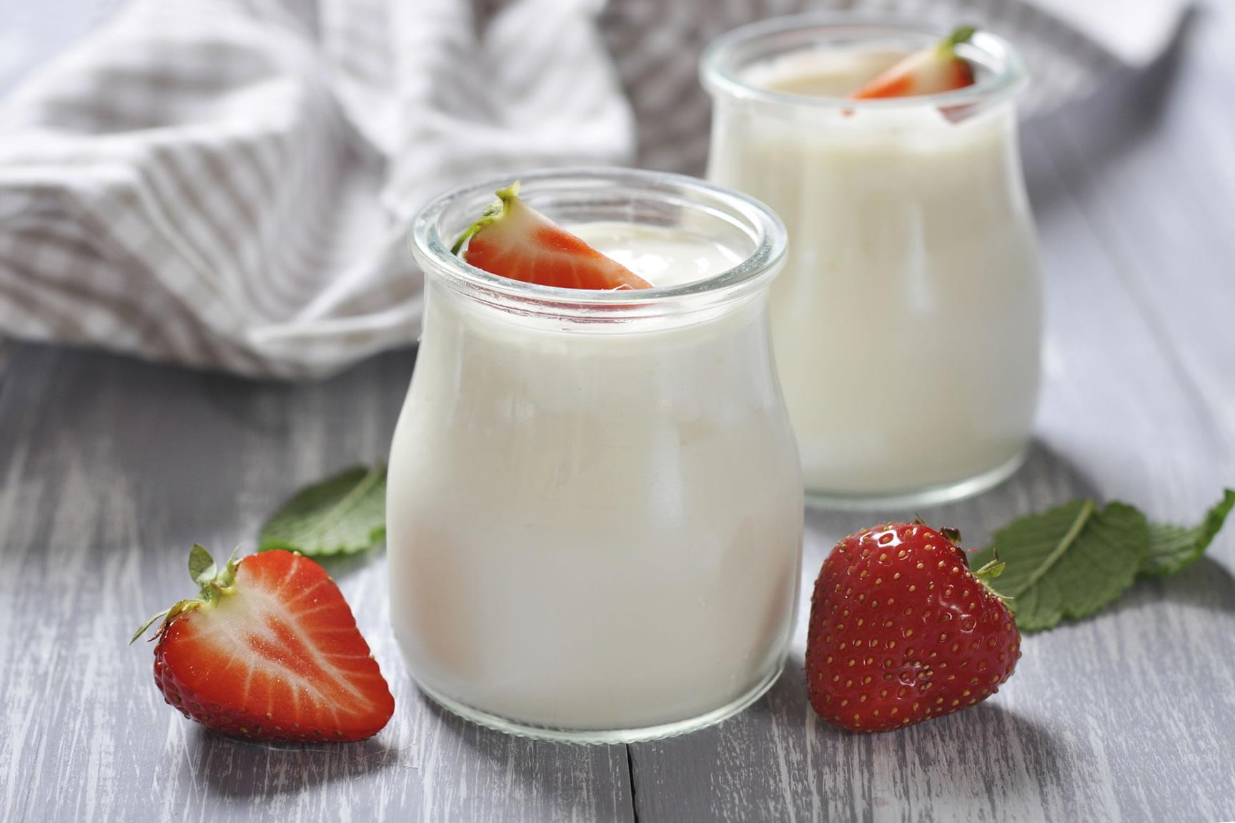 Dưỡng da tại nhà hiệu quả với sữa chua